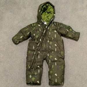 EUC Adorable Colombia snowsuit